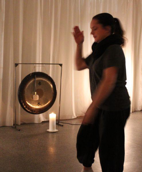 Medicinsk Qigong/Tai Chi/Gong meditation visades upp
